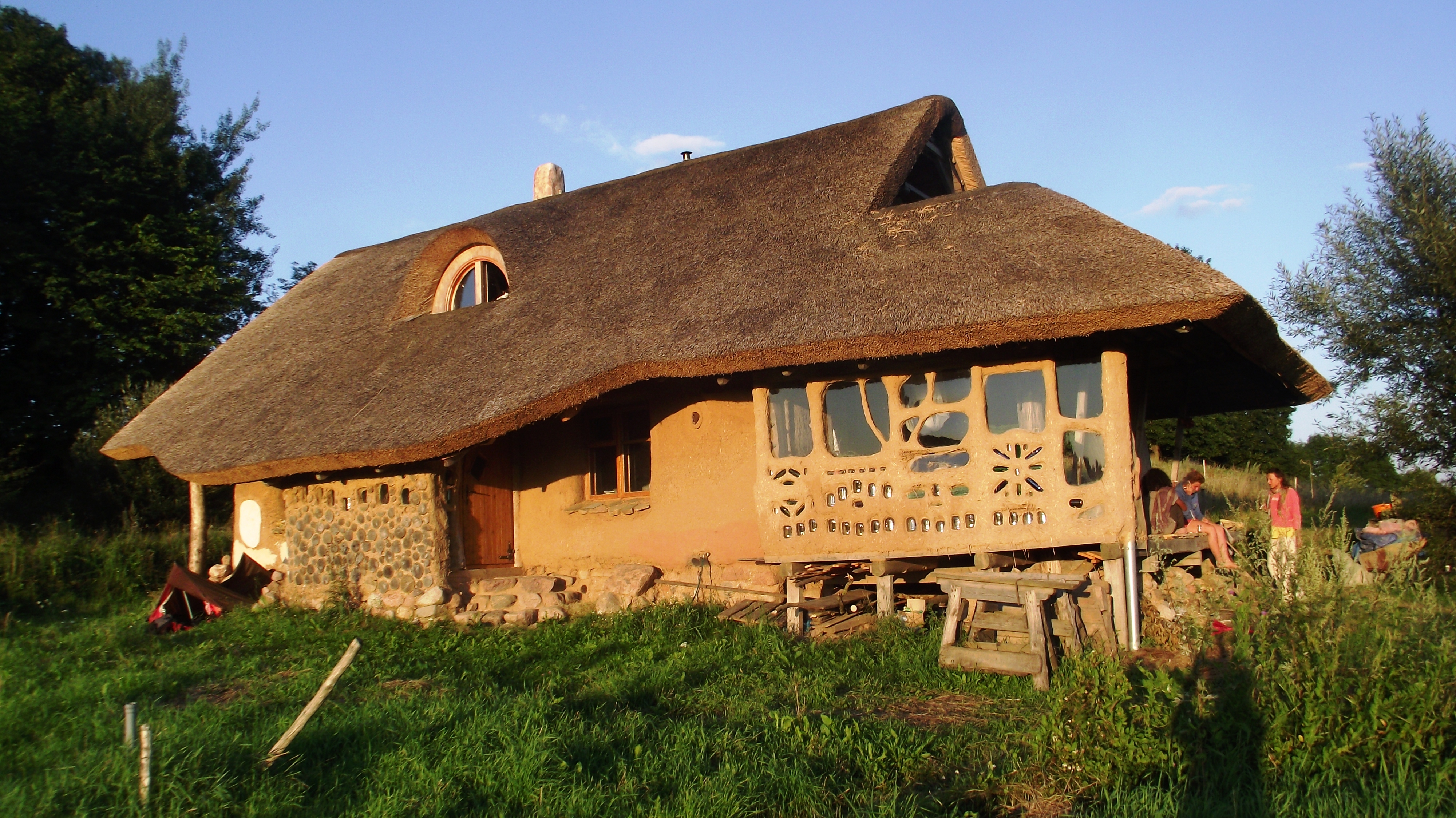 Design your dream home feng shui natural building for Feng shui in building a house